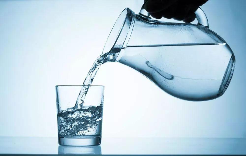 喝水.jpeg